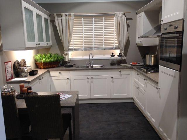 Kleine Keuken U Vorm: Inspiratie voor een u vormige keuken makeover.