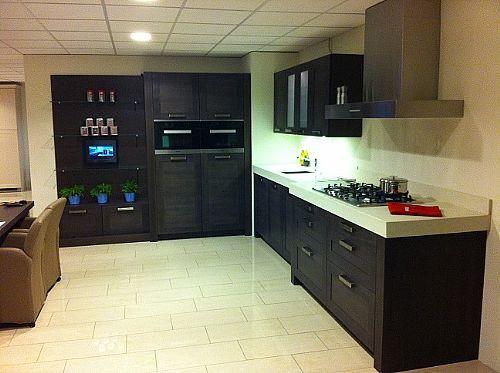 Beckermann keuken met losse kastenwand